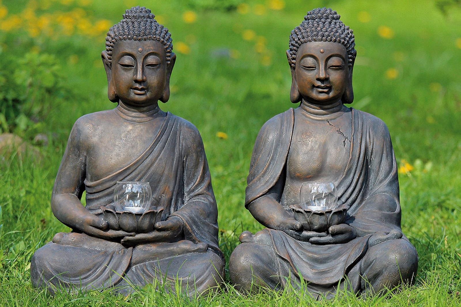 Buddha mit Windlicht H:ca.61cm.