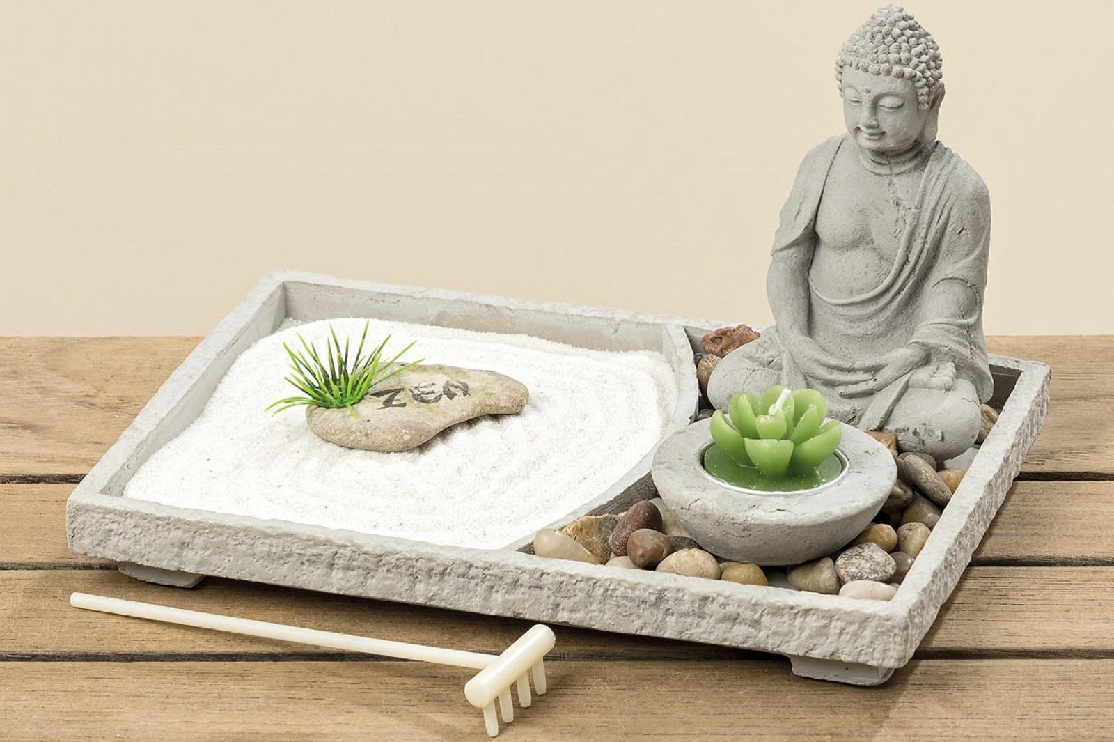 Zen Garten Deko mit Buddha und Kerze